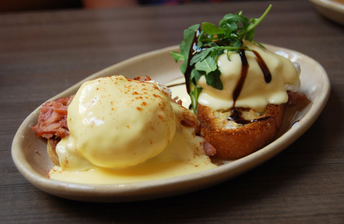 The+mix+and+match+eggs+Benedict+lets+you+diversify+your+breakfast+meal+at+Snooze.+Featured+here+is+a+traditional-style+Ham+Benedict+III+with+smoked+cheddar+hollandaise+sauce+%5Bleft%5D+and+the+Bella%21+Bella%21+Benny+with+prociutto%2C+arugala+and+balsamic+glaze+%5Bright%5D.+Photo+by+Lauren+J.+Mapp