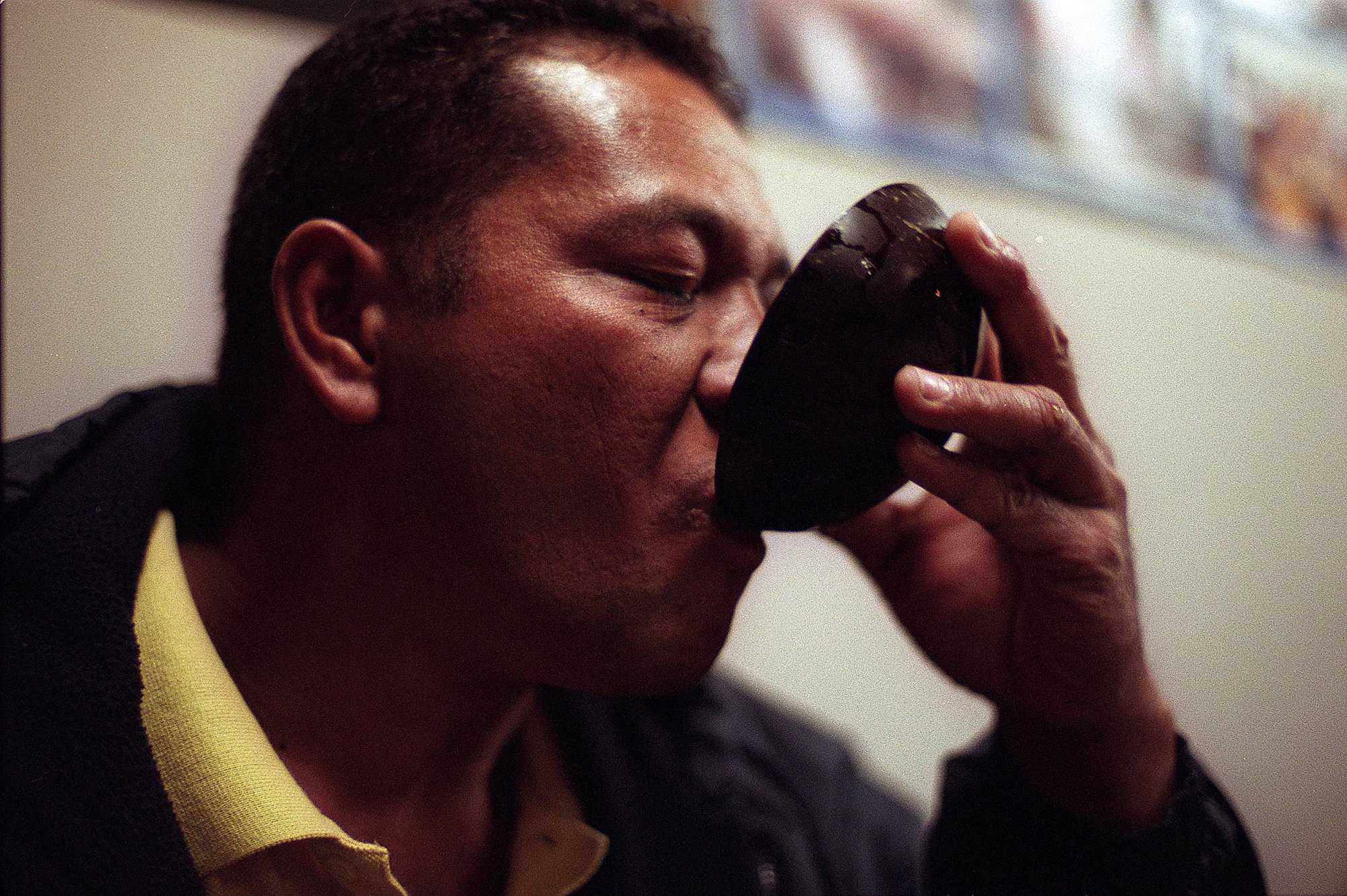 KRT CALIFORNIA STORY SLUGGED: CA-NEWDRUGS KRT PHOTOGRAPH BY TOM VAN DYKE/SAN JOSE MERCURY NEWS (August 7) The Kava root contains a depressant used in drinks in Tongan and Samoan rituals. (SJ) NC KD 2001 (Horiz) (lde)