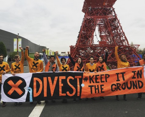 Youth calling for divestment at COP21 Image from instagram.com/350org