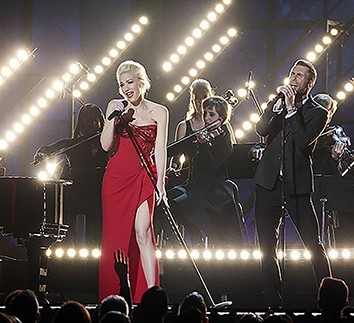 Gwen Stefani and Adam Levine perform at the 57th Annual Grammy Awards at Staples Center in Los Angeles on Sunday, Feb. 8, 2015. (Robert Gauthier/Los Angeles Times/TNS)