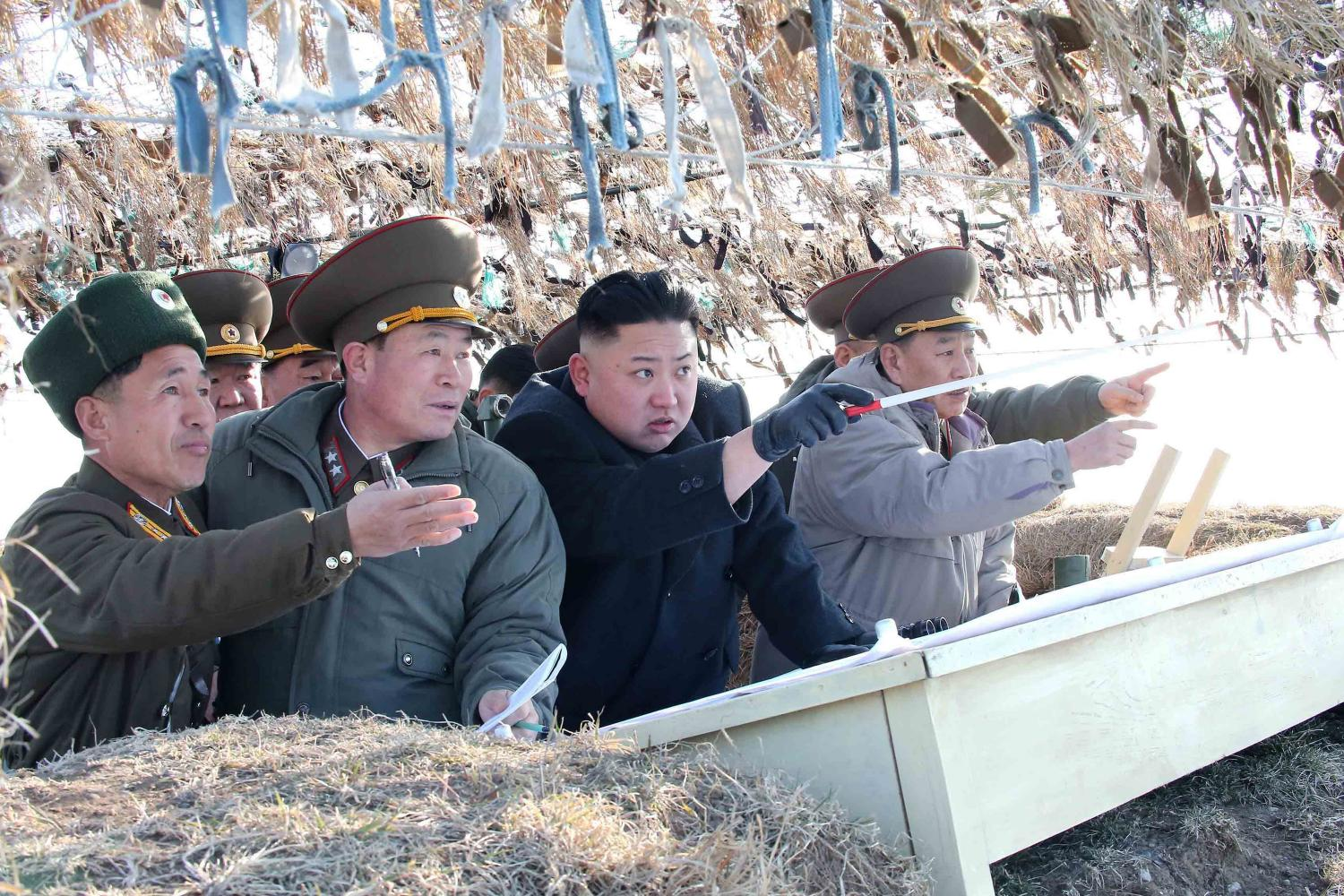 A+photo+released+by+KCNA+news+agency+on+March+12%2C+2013%2C+shows+North+Korea+leader+Kim+Jong+Un+visiting+the+Wolnae-do+Defence+Detachment+on+the+western+front+line.+%28KCNA%2FXinhua%2FZuma+Press%2FMCT%29