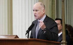 Gov. Jerry Brown signs bill giving free tuition to first year students