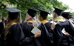Debate over students in online or hybrid courses joining Honors Program