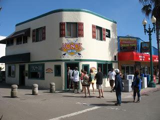 Kono's Surf Club, a local breakfast spot