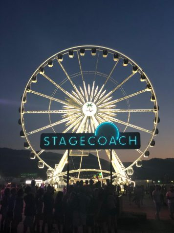Iconic Ferris wheel lights up the night for Stagecoach