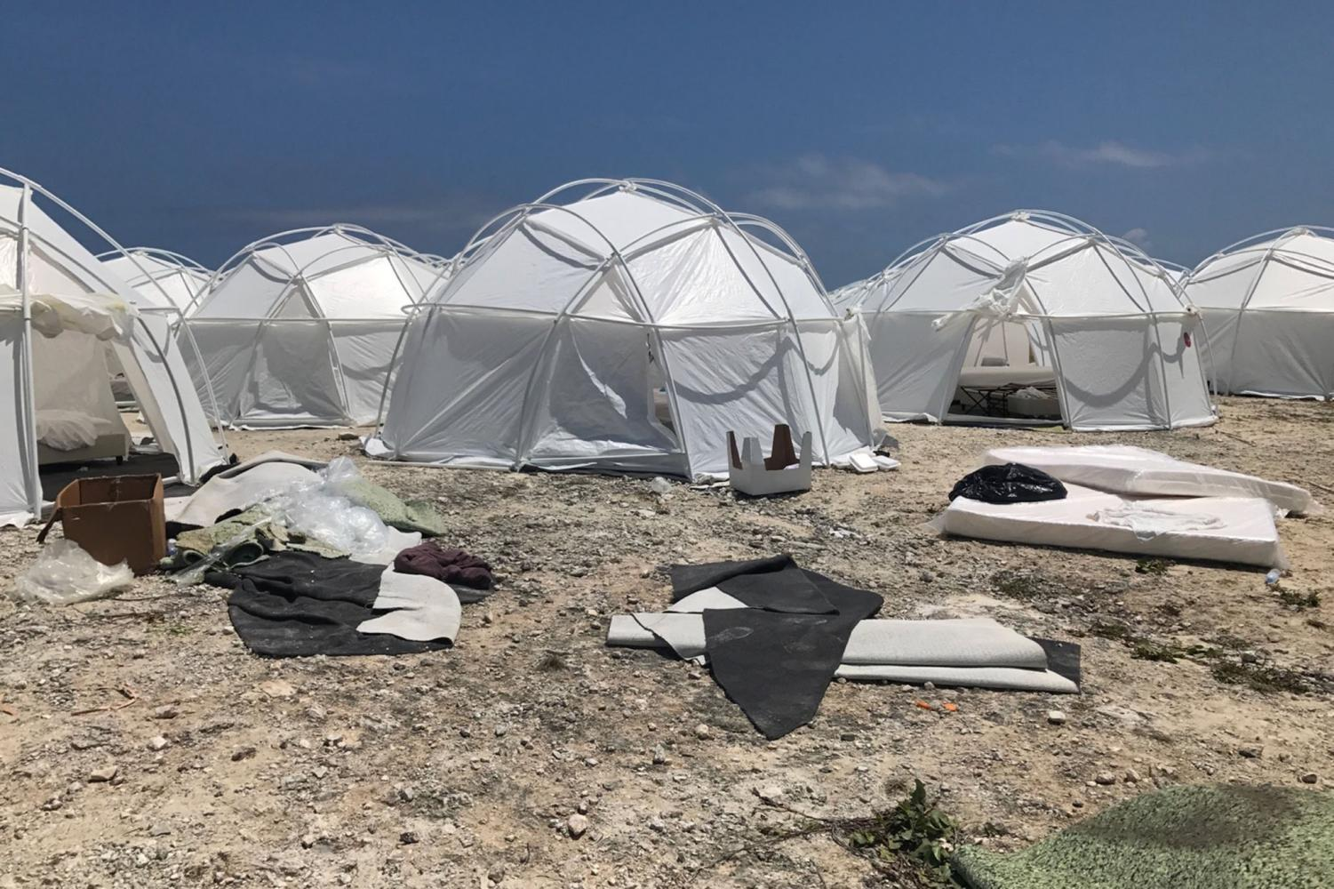 Fyre Festival FEMA tents Photo credit: www.twitter.com/clotureclub