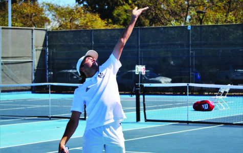 Saddleback College serves breadsticks to Mesa men's tennis