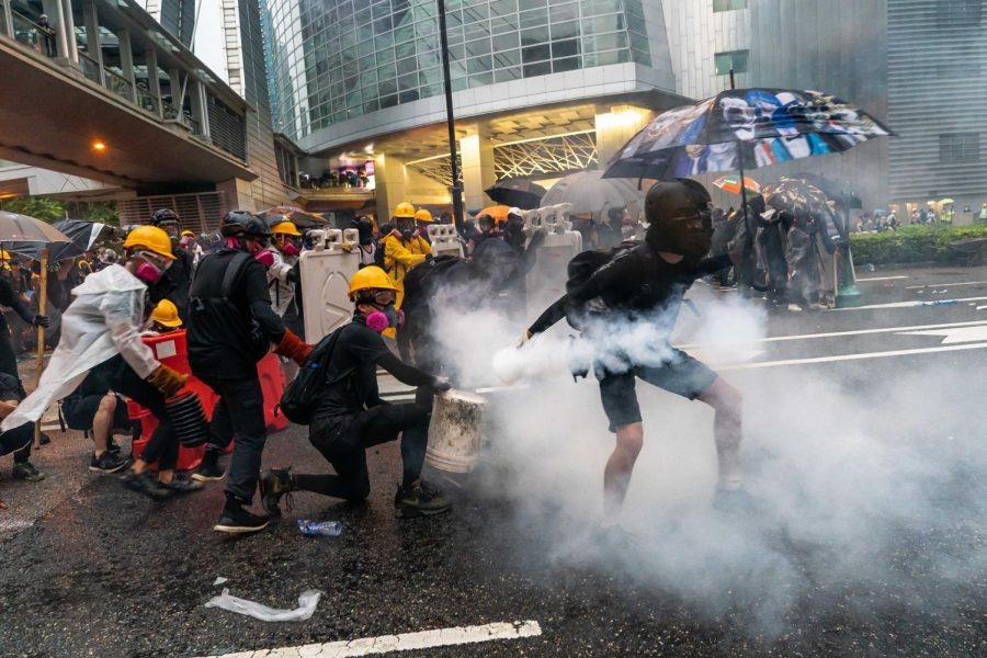 Protesters+clash+with+police+after+a+rally+in+Tsuen+Wan+on+August+25%2C+2019+in+Hong+Kong%2C+China.+%28Billy+H.C.+Kwok%2FGetty+Images%2FTNS%29