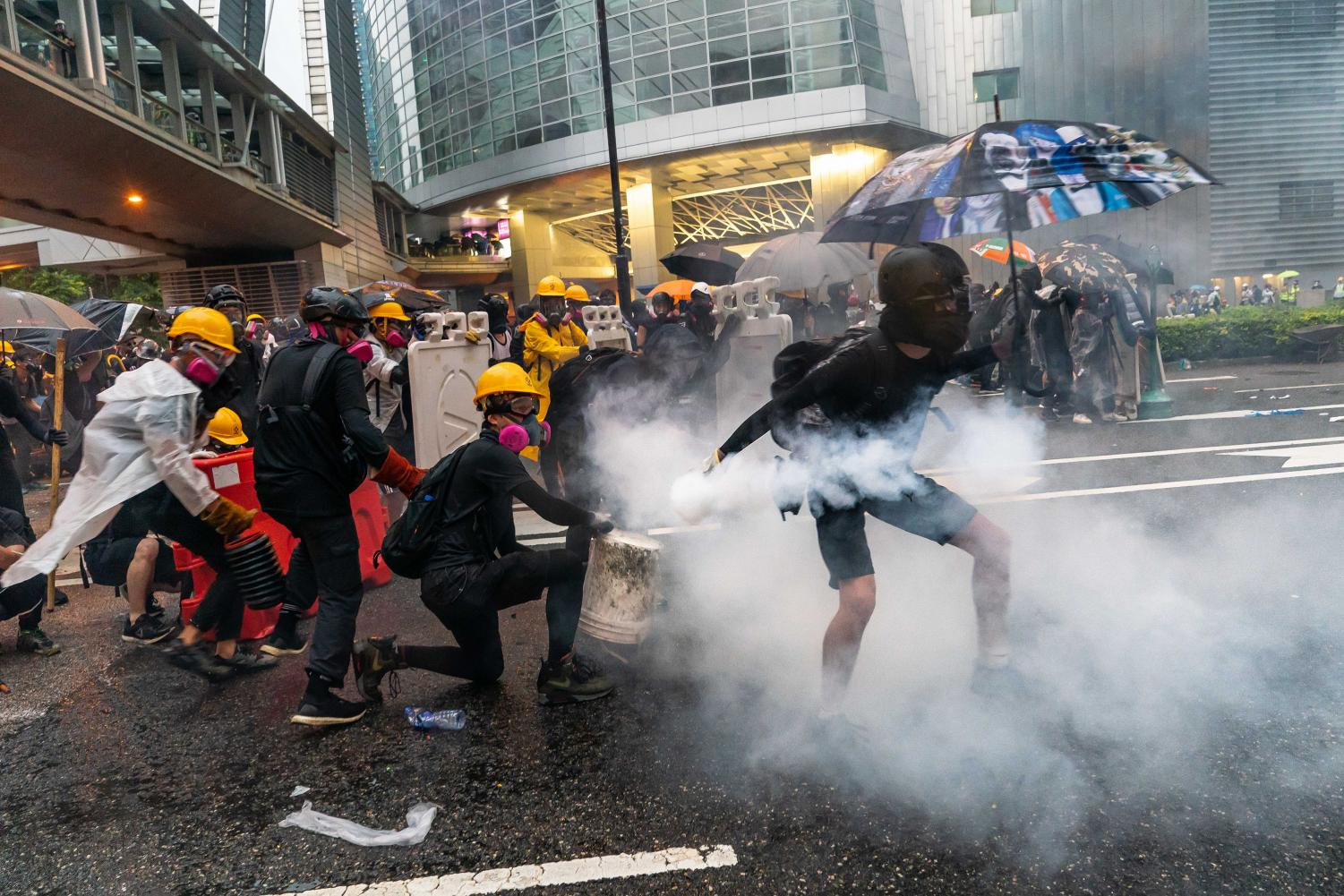 Protesters clash with police after a rally in Tsuen Wan on August 25, 2019 in Hong Kong, China. (Billy H.C. Kwok/Getty Images/TNS)