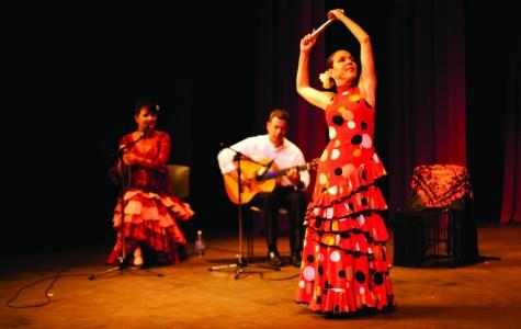 Flamenco's majestic beauty fills Apolliad Theatre