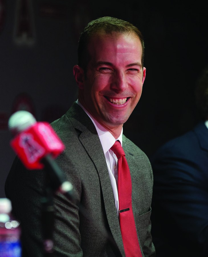 Billy+Eppler%2C+right%2C+is+announced+as+the+new+general+manager+for+the+Los+Angeles+Angels+on+Monday%2C+Oct.+5%2C+2015%2C+at+Angel+Stadium+in+Anaheim%2C+Calif.+Club+President+John+Carpino+is+at+left.+%28Gina+Ferazzi%2FLos+Angeles+Times%2FTNS%29