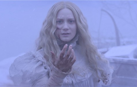 'Crimson Peak' fails to scare, but manages to entrance