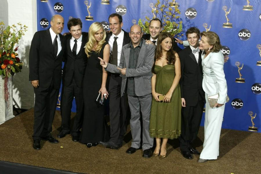 -- NO MAGS, NO SALES -- KRT ENTERTAINMENT STORY SLUGGED: TV-EMMYS KRT PHOTOGRAPH BY KEVIN SULLIVAN/ORANGE COUNTY REGISTER (L.A. TIMES OUT) (September 19) LOS ANGELES, CA -- The cast of