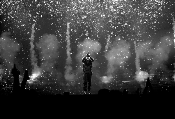 Drake thanked his crowd at the Forum for his sold out shows. Photo credit: Instagram.com/champagnepapi