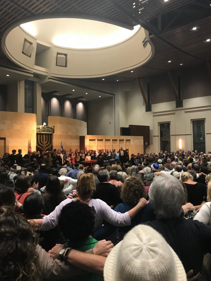 Pittsburgh synagogue shooting brings San Diegans together with Vigil to honor victims