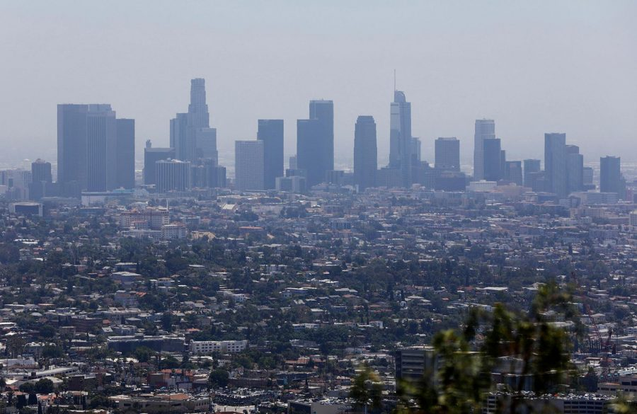 Smog+is+clearing+up+in+Los+Angeles.+%0APhoto+Credit%3A+Christina+House%2FLos+Angeles+Times%2FTN